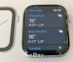 Apple MU6C2B/A Watch Series 4 44mm Silver Case Working but with cracked screen