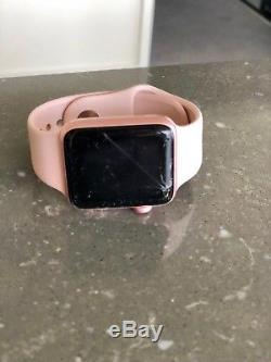 Apple Watch Series 2 42mm screen broken