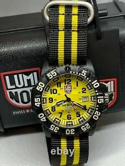 Luminox Navy Seal 3950 Series Black Strap XS. 3955 Watch Broken Glass
