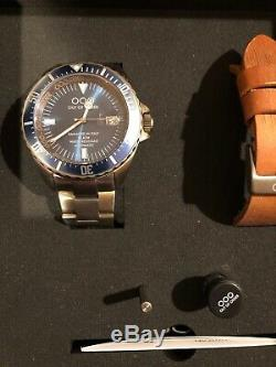 Out of Order (OOO) Blue Bezel Men's Automatic Watch DAMAGED IN ITALY $650 MSRP