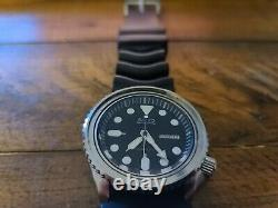 Seiko SKX009 7S26-0030 Automatic Stainless Steel Diver Watch NOT WORKING