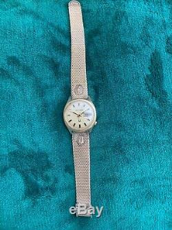 Vintage Bulova Accutron 14K Gold Filled Mens Watch With Original Box Not Working