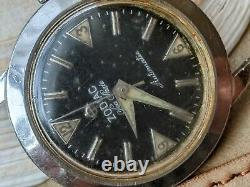 Vintage Zodiac Sea Skate Diver Watch withSigned Crown, Runs Strong FOR PARTS/REPAIR